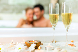 couple-tub-champagne-candle-horiz